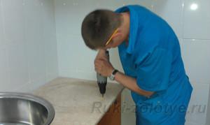 как установить раковину на кухне
