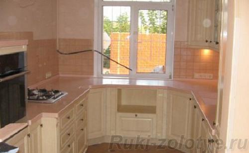 исппользование подоконника в маленькой кухне