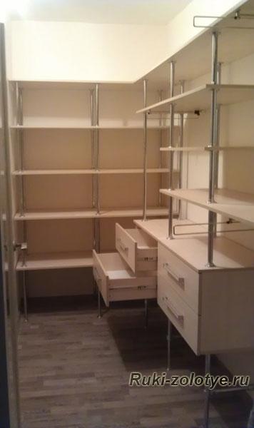 Бюджетная гардеробная комната своими руками-Гардеробные комнаты