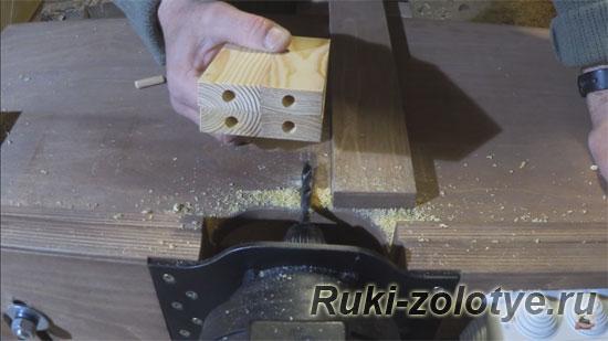 для шкантов в торце заготовки сверлим отверстия 8,2 мм