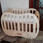 кроваткадля младенца из фанеры покрытая льняным маслом